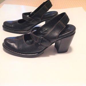 Born Strap-Back Closed Toe Heels Black Size 8/39
